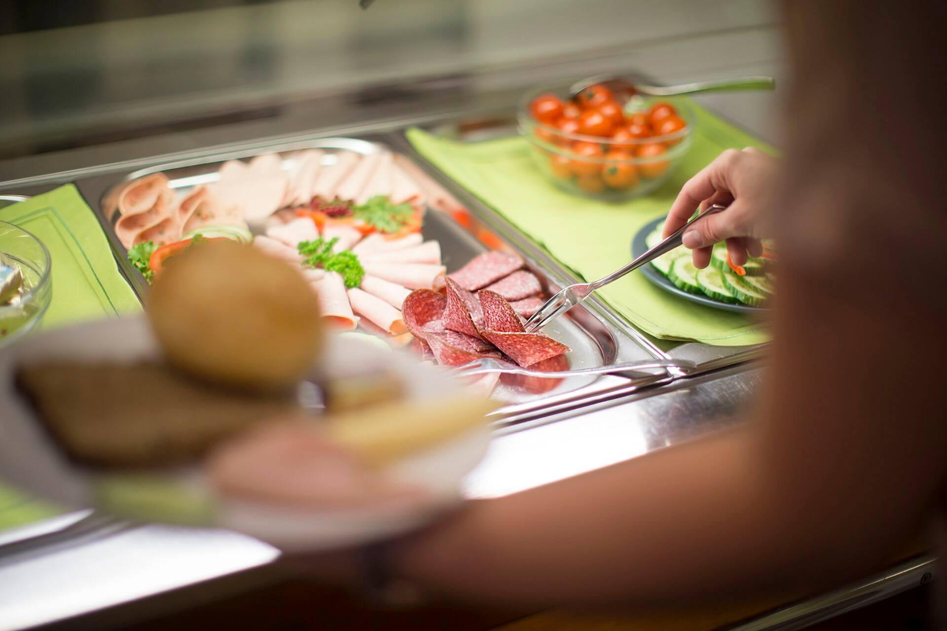 Frische Auswahl zum Frühstück im Hostel Erlebnisberg Kappe Winterberg