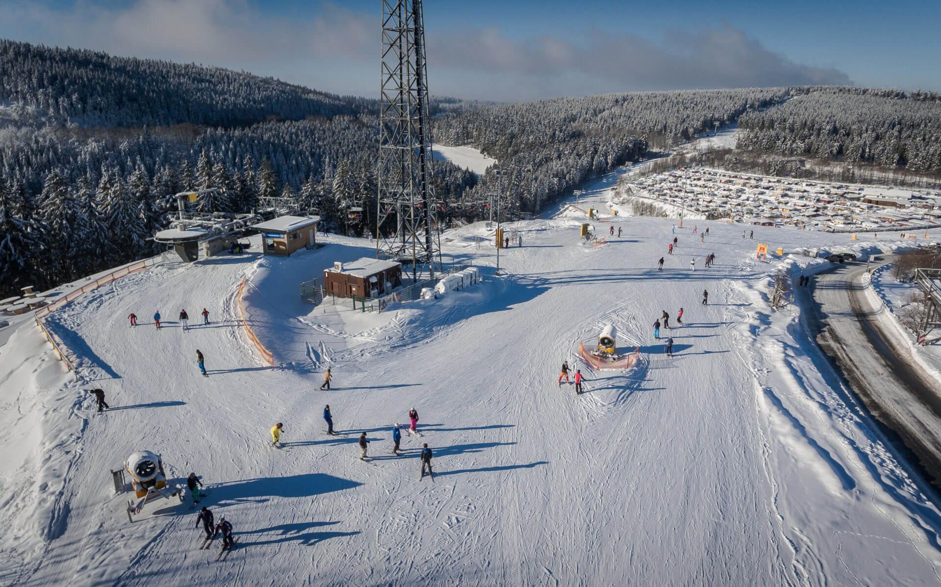 Übernachten am Skilift im Hostel Erlebnisberg Kappe Winterberg